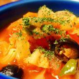 寒い夜にはやっぱりこれ!野菜盛りだくさんのまるごとトマトスープ